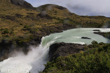 Wasserfall im Torres del Paine Nationalpark, Chile